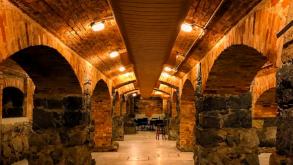Bar no subsolo do Theatro Municipal é inaugurado com muita festa
