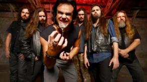 Armored Dawn encabeça show com bandas significativas do metal nacional