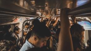 Listamos as coisas mais bizarras que acontecem no transporte público