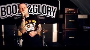Dias antes de tocar em São Paulo, Booze & Glory lança novo clipe