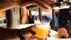 Bar no Tatuapé com 10h de festa open chope