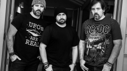 Supla, Dr. Sin e mais 5 bandas agitam o Stay Rock Fest