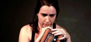 Grupo teatral estreia peça sobre música brega e sua influência no país