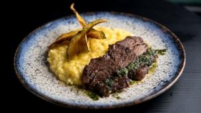 Caulí Lounge Bar: mixologia, arte, gastronomia e imaginação