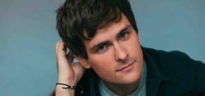 Tom Speight divulga seu álbum de estreia gratuitamente em São Paulo