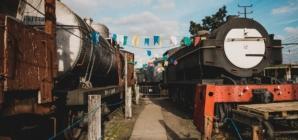 Arraial nos Trilhos, a festa junina numa estação de trens desativada!