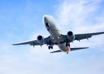 Durante 2 horas, Gol e Ambev venderão passagens aéreas a preço de lata de cerveja