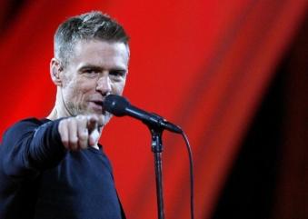 Bryan Adams traz tour mundial para São Paulo em outubro