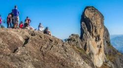 Complexo Rochoso Pedra do Baú é opção de passeio para os aventureiros