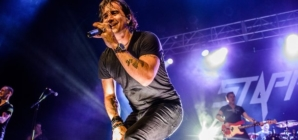 Scott Stapp, ex-vocalista do Creed, faz show online amanhã