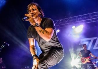 Scott Stapp, ex-vocalista do Creed, faz show online amanhã