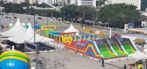 Parque com brinquedos infláveis gigantes fica em Osasco até 29/09