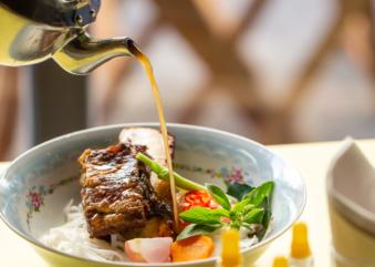 Bia Hoi prepara comidinhas vietnamitas e drinks para levar