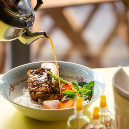 Bia Hoi SP completa dois anos com série de jantares especiais