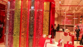 Nestlé cria máquina onde você pode personalizar seu próprio KitKat!