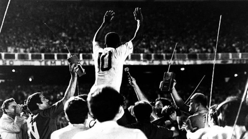 Instalação em homenagem ao 1000º gol de Pelé é aberta no Museu do Futebol