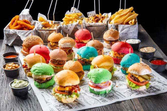 Hamburgueria em Moema oferece rodízio de mini-hambúguer a R$49,90