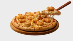 Domino's inaugura 300ª unidade e lança pizza de pão de alho