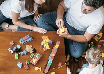Quarentena em casa: saiba como brincar com seus filhos