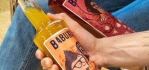 Bebida brasileira mistura cachaça, mel e frutas produzidos no país