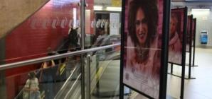 Exposição 'Mulheres no Espelho' reúne fotos de mulheres que venceram o câncer de mama