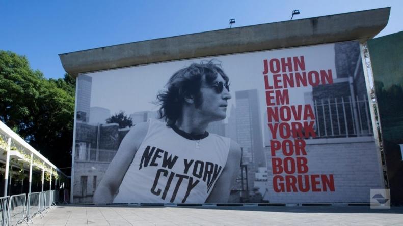 """Exposição """"John Lennon em Nova York por Bob Gruen"""" reabre para visitação no MIS"""