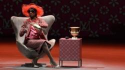 Luis Miranda vive Madame Sheila no Teatro Unimed