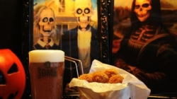 Cervejaria produz cerveja especial e decoração temática para o Halloween