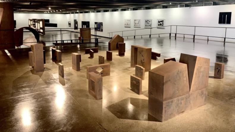 Últimos dias da mostra no MuBE que reúne arquitetura de Paulo Mendes da Rocha e obras de Amilcar de Castro